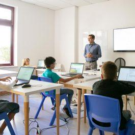 clase-con-varios-ordenadores